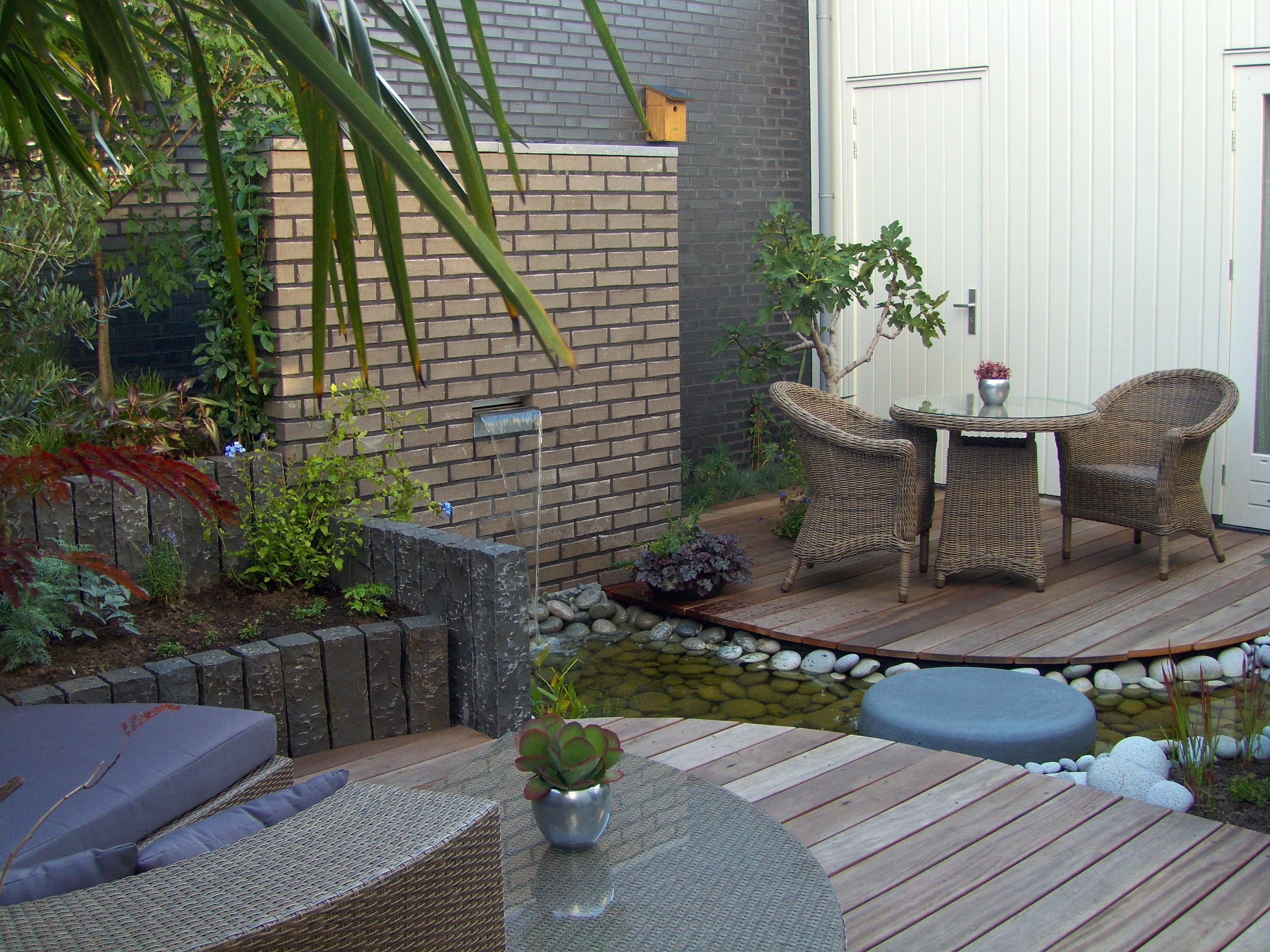 Projecten hovenier uit beneden leeuwen roelofs tuinen planten for Beneden tuin